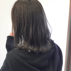 ストリート アッシュグレー 大人かわいい 透明感 ヘアスタイルや髪型の写真・画像