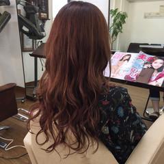 ロング ピンク ベージュ レッド ヘアスタイルや髪型の写真・画像