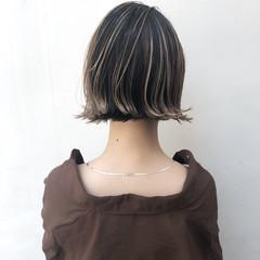 グレージュ アンニュイほつれヘア ボブ ハイライト ヘアスタイルや髪型の写真・画像