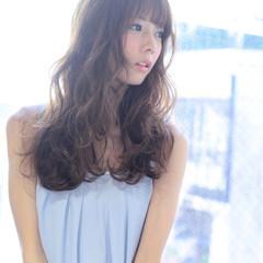 ロング フェミニン 前髪あり アッシュ ヘアスタイルや髪型の写真・画像