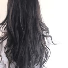 グレージュ ロング アッシュ ハイライト ヘアスタイルや髪型の写真・画像