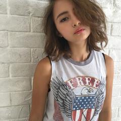 前髪あり ミディアム 外国人風 ハイライト ヘアスタイルや髪型の写真・画像