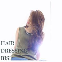 外国人風 アッシュ フェミニン ロング ヘアスタイルや髪型の写真・画像