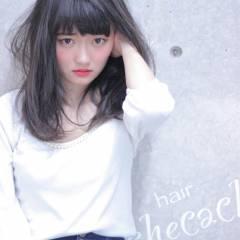 外国人風 ダークアッシュ ウェーブ フリンジバング ヘアスタイルや髪型の写真・画像
