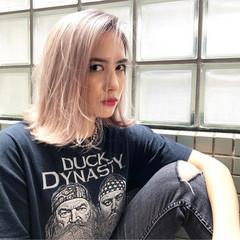 外国人風カラー グレージュ 金髪 ストリート ヘアスタイルや髪型の写真・画像