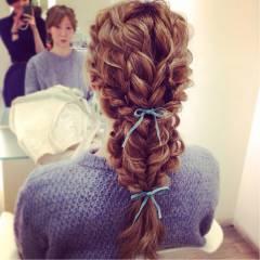 ヘアアレンジ 結婚式 ナチュラル 三つ編み ヘアスタイルや髪型の写真・画像
