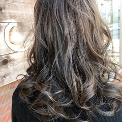 アッシュ 渋谷系 ミディアム ガーリー ヘアスタイルや髪型の写真・画像