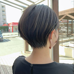 ショートヘア ショートボブ ナチュラル 丸みショート ヘアスタイルや髪型の写真・画像