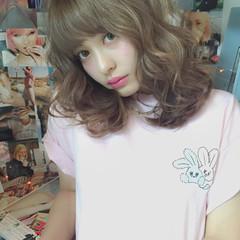 ピュア ワイドバング フェミニン 外国人風 ヘアスタイルや髪型の写真・画像