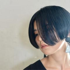 ショート ボブ 切りっぱなし 黒髪 ヘアスタイルや髪型の写真・画像
