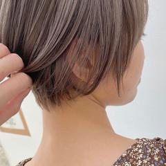 ブリーチ ショートヘア ラベンダー ベージュ ヘアスタイルや髪型の写真・画像