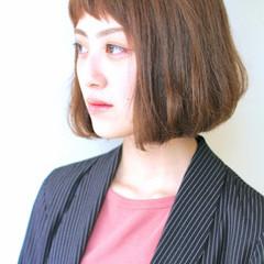 ベージュ モード ベビーバング ショートバング ヘアスタイルや髪型の写真・画像