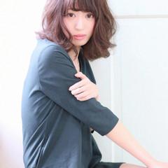 外国人風 グラデーションカラー 前髪あり フェミニン ヘアスタイルや髪型の写真・画像