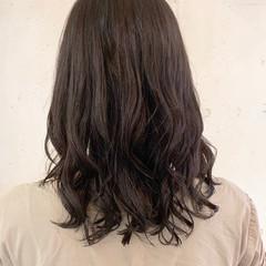 デジタルパーマ コテ巻き風パーマ ナチュラル レイヤーカット ヘアスタイルや髪型の写真・画像