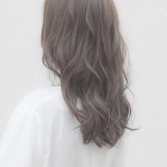 ベージュ アッシュグレージュ アッシュ 透明感カラー ヘアスタイルや髪型の写真・画像