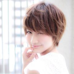 小顔 前髪あり ナチュラル ショート ヘアスタイルや髪型の写真・画像