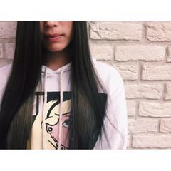 インナーカラー グレージュ ストリート 暗髪 ヘアスタイルや髪型の写真・画像