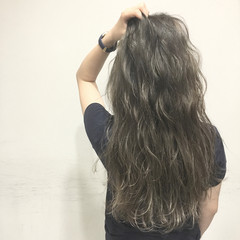 外国人風 グラデーションカラー ウェットヘア ロング ヘアスタイルや髪型の写真・画像