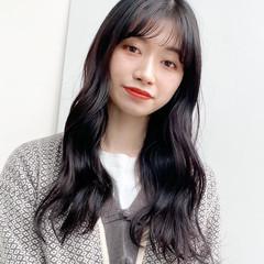 黒髪 フェミニン 韓国ヘア シースルーバング ヘアスタイルや髪型の写真・画像