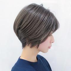 パーマ ハイライト ショート ナチュラル ヘアスタイルや髪型の写真・画像