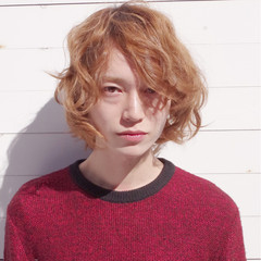 ストリート ブリーチ ルーズ メンズ ヘアスタイルや髪型の写真・画像
