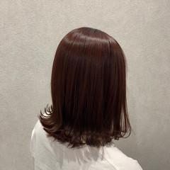 ピンクブラウン ピンクベージュ ミディアム 外ハネ ヘアスタイルや髪型の写真・画像