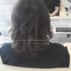 アッシュ ナチュラル ミディアム グレージュ ヘアスタイルや髪型の写真・画像