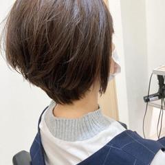 ショートボブ ベージュ イルミナカラー ナチュラル ヘアスタイルや髪型の写真・画像