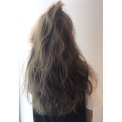 リラックス ロング アンニュイ 大人かわいい ヘアスタイルや髪型の写真・画像