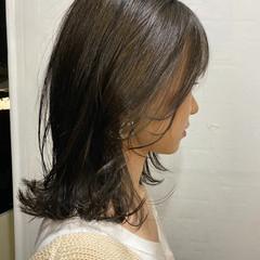 アッシュグレージュ 大人ミディアム グレージュ ナチュラル ヘアスタイルや髪型の写真・画像