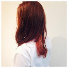 セミロング ピンク インナーカラー ストリート ヘアスタイルや髪型の写真・画像