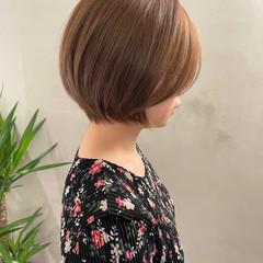 アッシュグレージュ ミルクティーグレージュ ボブ ショートヘア ヘアスタイルや髪型の写真・画像
