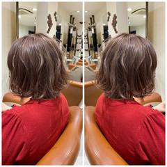 ミルクティーベージュ ヌーディーベージュ ナチュラルベージュ フェミニン ヘアスタイルや髪型の写真・画像
