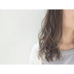 ロング フェミニン コンサバ 外国人風 ヘアスタイルや髪型の写真・画像