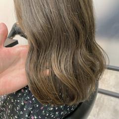 オリーブベージュ ナチュラル ミディアム オリーブカラー ヘアスタイルや髪型の写真・画像