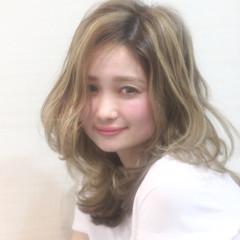 カール 外国人風 夏 ガーリー ヘアスタイルや髪型の写真・画像
