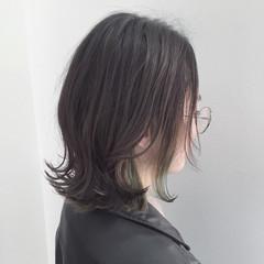 グレージュ ストリート インナーカラー 外ハネ ヘアスタイルや髪型の写真・画像