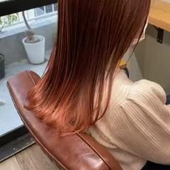 オレンジカラー ミディアム オレンジブラウン オレンジベージュ ヘアスタイルや髪型の写真・画像