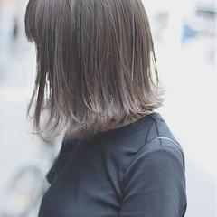 ボブ イルミナカラー ミルクティーベージュ デート ヘアスタイルや髪型の写真・画像