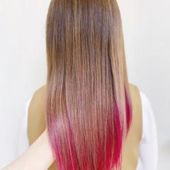 ガーリー セミロング インナーカラー ヘアスタイルや髪型の写真・画像