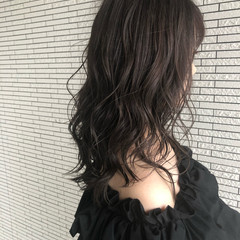 アッシュグレージュ セミロング 大人ハイライト ハイライト ヘアスタイルや髪型の写真・画像