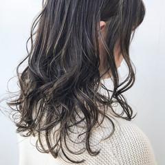 アンニュイほつれヘア 大人かわいい セミロング コンサバ ヘアスタイルや髪型の写真・画像