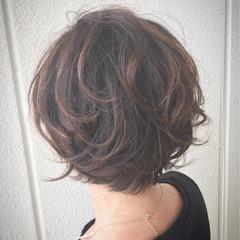 くせ毛風 エアリー ショートボブ 大人かわいい ヘアスタイルや髪型の写真・画像