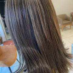 ミディアム 極細ハイライト ハイライト ナチュラル ヘアスタイルや髪型の写真・画像