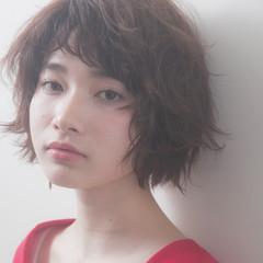 外国人風 ショート ナチュラル パーマ ヘアスタイルや髪型の写真・画像