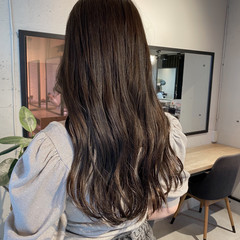 暗髪 セミロング アッシュグレージュ 透明感カラー ヘアスタイルや髪型の写真・画像