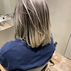 ウルフカット ミディアム モード 切りっぱなしボブ ヘアスタイルや髪型の写真・画像