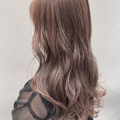 ブリーチ ロング グレージュ くすみベージュ ヘアスタイルや髪型の写真・画像