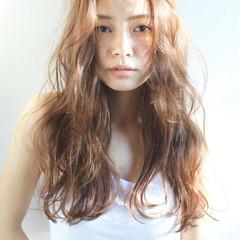 大人かわいい ゆるふわ 外国人風 パーマ ヘアスタイルや髪型の写真・画像