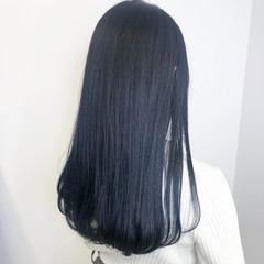 ロング ネイビーブルー ダークカラー 透明感カラー ヘアスタイルや髪型の写真・画像